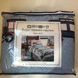 Other - 🚂 Brand new twin size quilt 🚞